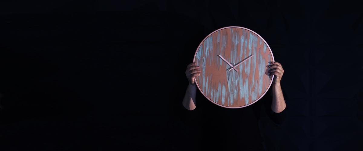 Ρολόγια τοίχου μοντέρνα